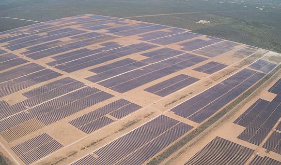 한화에너지(174파워글로벌)가 개발하여 운영 중인 미국 텍사스주 Oberon 1A(194MW) 태양광발전소 전경
